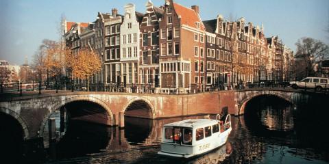 Amsterdam_Grachten_300dpi_2435x1616px_J